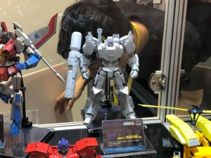 Transformers News: First Look at Flame Toys IDW Optimus Prime and Autobot Megatron Model Kit,  Devastator and Bumblebee #ACGHK Updated