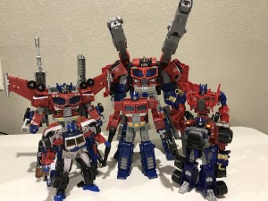 Transformers News: New In-Hand Images and Comparisons - Transformers War for Cybertron: Siege Galaxy Upgrade Optimus Prime
