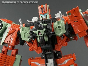 Massive Discount for Transformers Generations Combiner Wars Victorion on Amazon