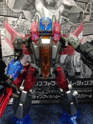 Transformers News: In-Hand Images: Million Publishing Exclusive Infiltrator Starscream