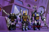 Transformers News: More Images of Universe Reissue Insecticons