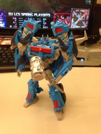 Transformers News: Transformers Prime: Beast Hunters Voyager Ultra Magnus In-Hand Images