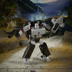 New Images of Transformers Earthrise Sunstreaker and Megatron