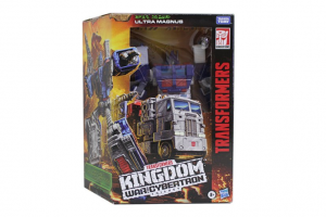 First Look at Transformers Kingdom Dinobot, Ultra Magnus and Inferno