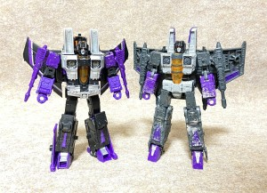New Images Comparing Earthrise Thundercracker and Skywarp with Siege and Classics Versions