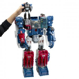TFsource News! Titans Return Fort Max, SDCC Exclusives, Xtransbots Mightron & More!