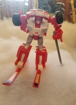 Transformers News: #Transformersmas: The Transformers Holiday Photo Challenge Week One: Winter Sports!