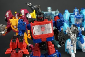 New Galleries: War for Cybertron Siege Deluxe Crosshairs and Battlemaster Trenchfoot