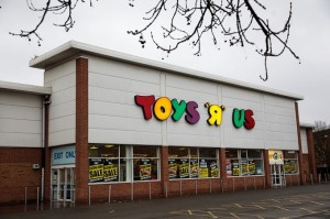 """Transformers News: Toys """"R"""" Us Has Canceled Its Bankruptcy Auction - A Possible Return?"""