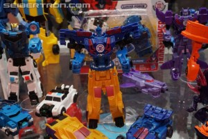 Transformers News: SDCC 2017: Gallery Update with Transformers: Robots in Disguise Lunar Force, New Decepticons, More #HasbroSDCC