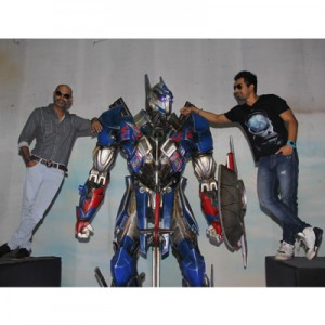 Transformers News: Transformers: Age of Extinction Promotional 12 Foot Optimus Prime in India