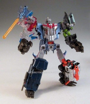 Transformers News: RobotKingdom.com Newsletter #1322