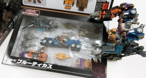 TakaraTomy Transformers Unite Warriors UW-07 Bruticus In-Package