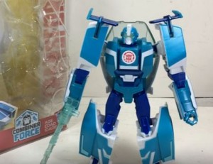Transformers News: Video Review for Robots in Disguise Warrior Blurr and Soundwave
