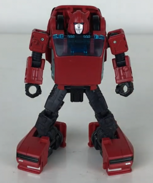 Video Review of Transformers Generations War for Cybertron Earthrise Deluxe Class Cliffjumper
