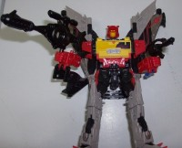 Transformers News: Seibertron.com Reviews Renderform's RF-003 DJ Rockblast