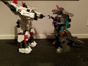 Transformers News: Comparisons - Transformers Generations Titan Class Trypticon vs Metroplex vs Devastator