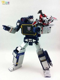 Transformers News: Extensive Pictorial Review of Takara Tomy Transformers Masterpiece MP-13 Soundwave with Laserbeak