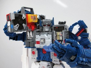 Transformers News: Takara Tomy Transformers Legends In-Hand Roundup: Fortress Maximus, Broadcast, Rewind, And More