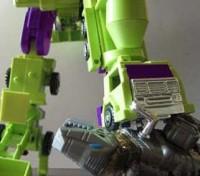 Transformers News: CDMW-02 G1 Devastator Thigh Replacement Update