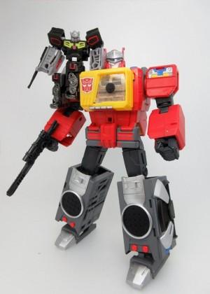 In Hand - Takara Tomy Transformers Legends Rewind, Blaster, Weirdwolf