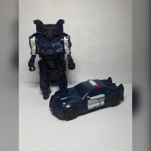 New Image of Transformers: The Last Knight One-Step Barricade