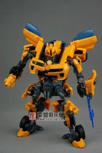 New Images of Deluxe Movie Battle Blade Bumblebee