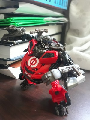 New Text Review of Transformers Studio Series Deluxe Class DotM Leadfoot