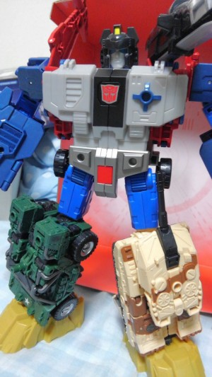 Combiner Ports on Takara Tomy Transformers Legends LG-42 Godbomber