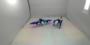 New Video Reviews of Transformers Earthrise Deluxe Class Smokescreen and Decepticon Clones Two-Pack