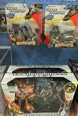 "Transformers News: Transformers Prime ""Robots in Disguise"" Bumblebee vs. Starscream Entertainment Pack Spotted at Canadian Retail"