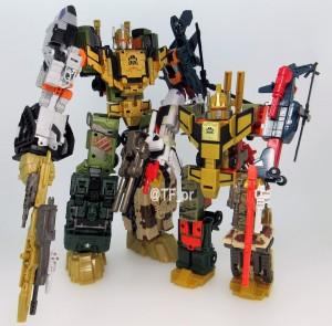 Comparison Images of Takara Transformers Unite Warriors UW-EX Baldigus / Ruination