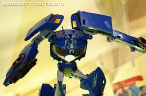 Toy Fair 2017 - Gallery of The Last Knight, Robots in Disguise, Rescue Bots, Tiny Turbo Changers, Legion class, Merch #TFNY #HasbroToyFair