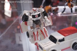 Transformers News: SDCC 2016: Robots in Disguise Preview Night Gallery with Bisk, Ratchet, Windblade, Minicons and more #HasbroSDCC