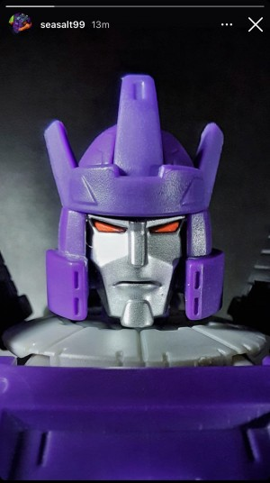 More Images of Kingdom Leader Galvatron Including Alt Mode and Matrix Chain