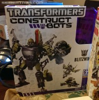 New Construct-Bots Bumblebee and Blitzwing Spotted at Retail