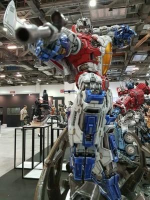 Transformers News: XM Studios Premium Collectibles Optimus Prime & Starscream Full Colour #STGCC17