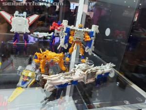 Transformers News: Video From SDCC2019 of Transformers Cyberverse, Rescue Bots, and BotBots Exclusive