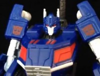 Transformers News: Transformers Generations: Fall of Cybertron Deluxe Ultra Magnus Video Review