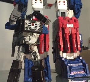 Transformers Titans Return Fortress Maximus In-Hand