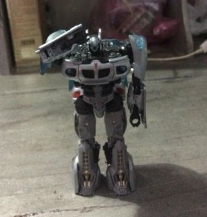 In-Hand Images of Transformers Studio Series Jazz