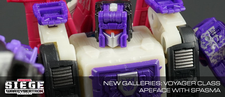 New Galleries: WFC Siege Voyager Class Apeface with Spasma