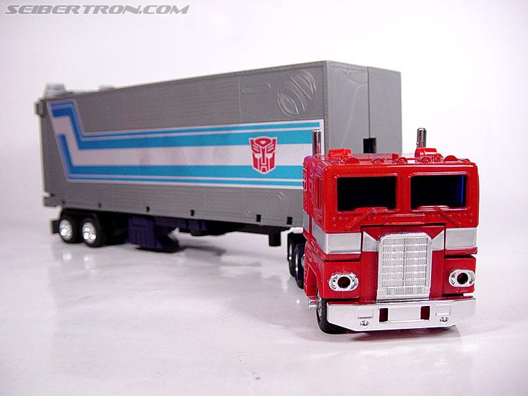 Transformers G1 1984 Optimus Prime (Convoy)  (Reissue) (Image #2 of 83)