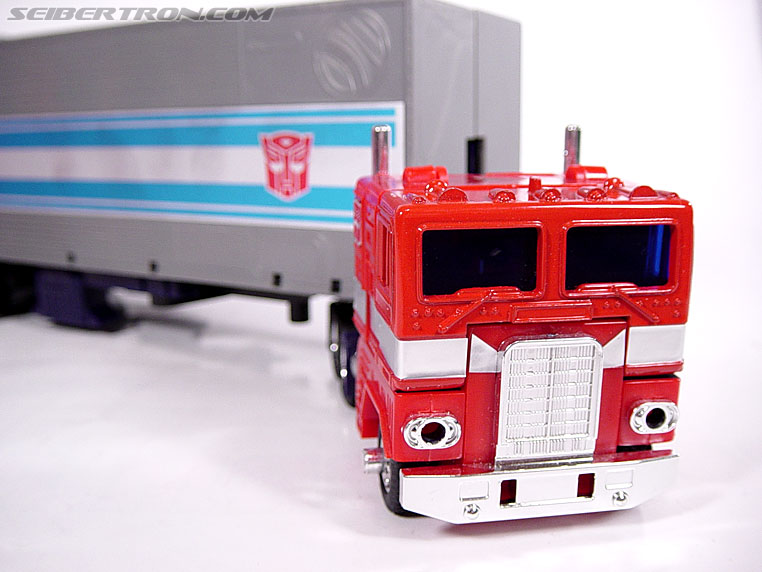 Transformers G1 1984 Optimus Prime (Convoy)  (Reissue) (Image #3 of 83)