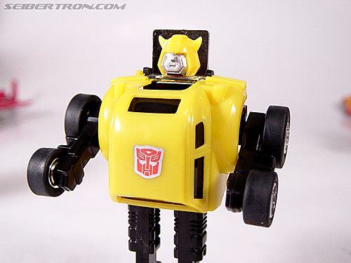 Transformers G1 1984 Bumblebee (Bumble)  (Reissue) (Image #7 of 24)