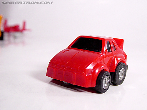 Transformers G1 1984 Cliffjumper (Cliff) (Image #13 of 37)