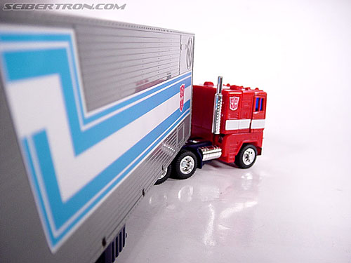 Transformers G1 1984 Optimus Prime (Convoy)  (Reissue) (Image #13 of 83)