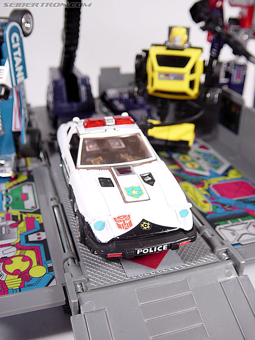 Transformers G1 1984 Prowl (Reissue) (Image #25 of 49)
