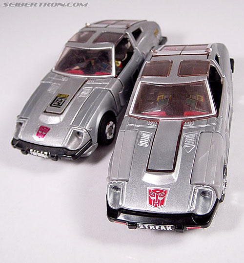 Transformers G1 1984 Bluestreak (Silverstreak) (Streak)  (Reissue) (Image #14 of 49)