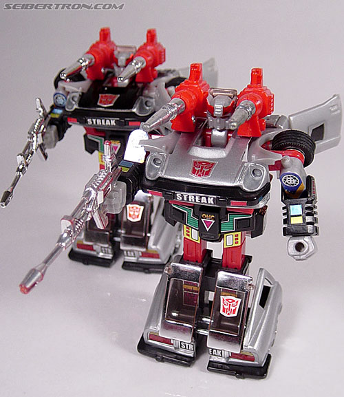 Transformers G1 1984 Bluestreak (Silverstreak) (Streak)  (Reissue) (Image #44 of 49)
